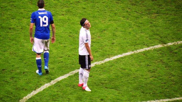 Mesut Ozil Arsenal team news