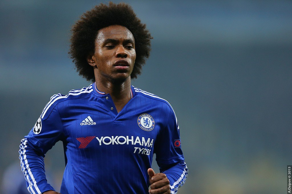 Willian eager to stay at Chelsea despite exit rumours