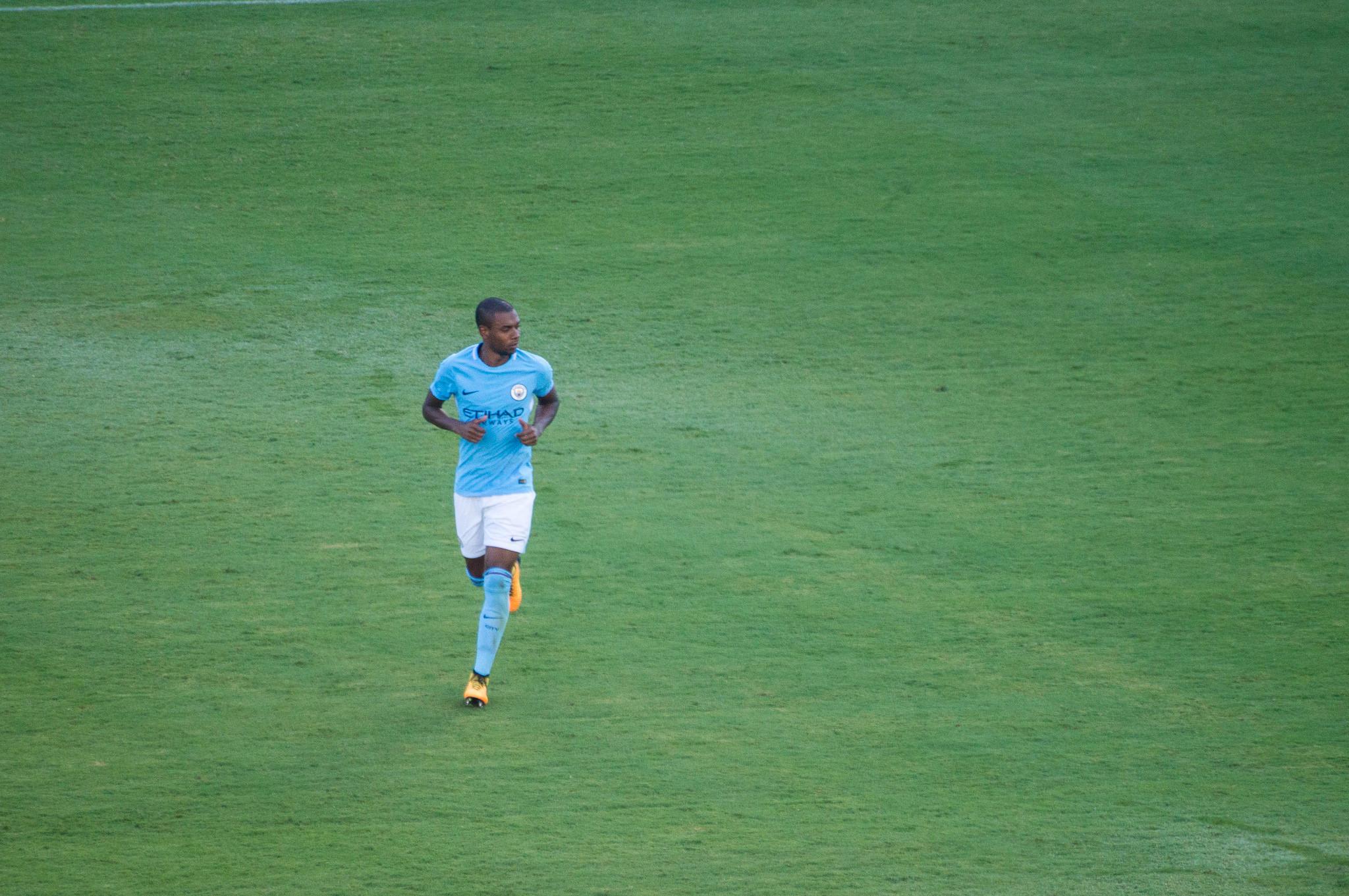 Fernandinho Man City news
