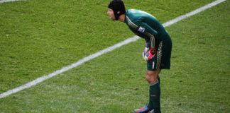 Bernd Leno vs Petr Cech