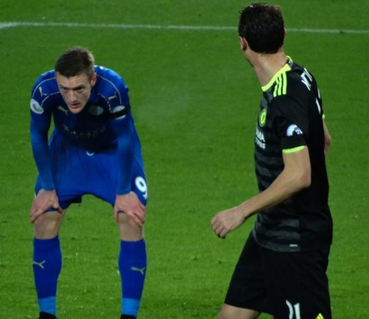 Why did Jamie Vardy leave the pitch against Arsenal?