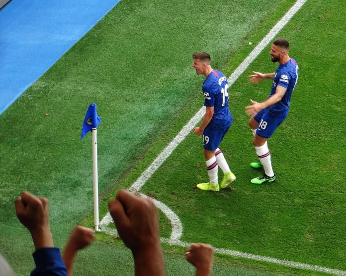 Mason Mount and Olivier Giroud Chelsea